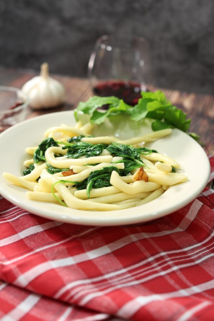 Pasta Garlic and Oil with Arugula