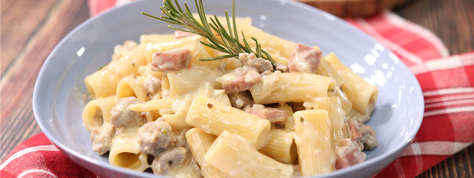Rigatoni with Sausage and Prosciutto in a Cream Sauce